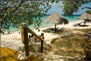 "Platja ""Alice in Wonderland"" a l'illa Bonaire (Antilles Holandeses). Fes clic per ampliar."