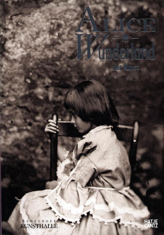 Portada del catàleg. Foto d'Alice Liddell feta per Charles L.Dodgson. Fitxa 143.